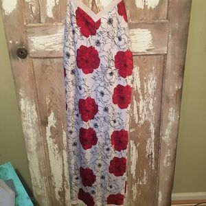 🎁3 FOR $25 🎁 Cabernet white red floral dress.
